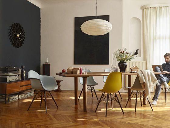 Wood Table Eames Plastic Side Chair DSW #Eames Palstic Armchiar DAW #shellspotti…