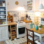 die holzige, kleine Küchenuhr….. - https://pickndecor.com/interior