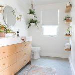 salle de bains conçue par sarah sherman samuel - bord épais, armoires en bois clair #Hom ... - Wood Design