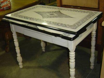 vintage kitchen tables enamel   Enamel Top Kitchen Table