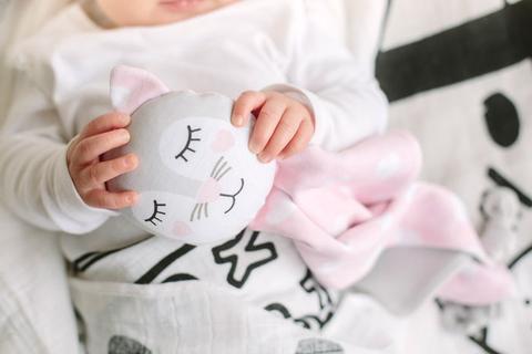 Introducing a Baby Comforter as a Sleep Aid | Kippi