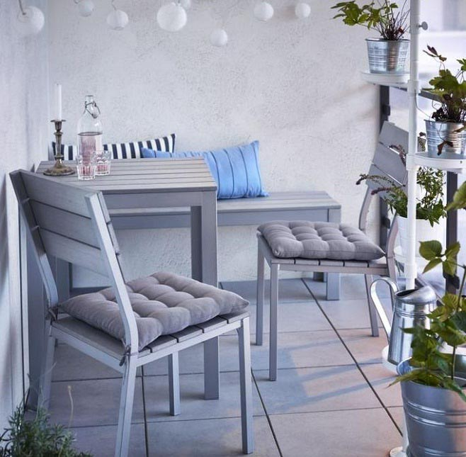 How You Can Arrange Your Balcony Furniture in a Fantastic Manner .