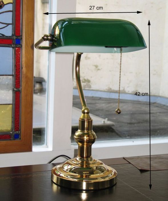 Brass Desk top Bankers Lamp with green glass, English Decoratio