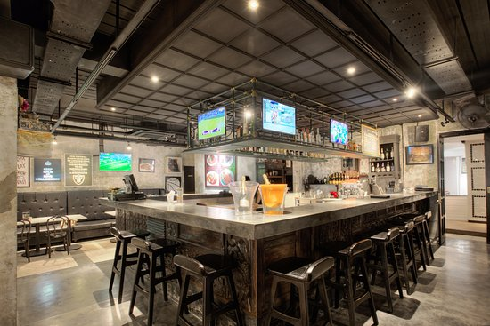 Bar Counter - Picture of The Barrel Pub & Grill, Legian - Tripadvis