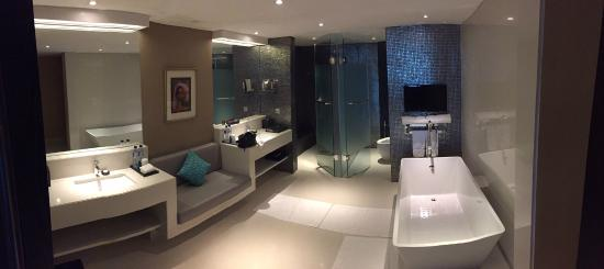 What a bathroom...TV anyone? - Picture of Double-Six Luxury Hotel .