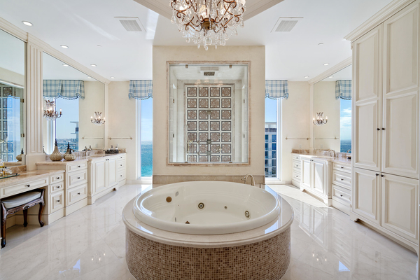 Beautiful Bathrooms For An At-Home Spa D