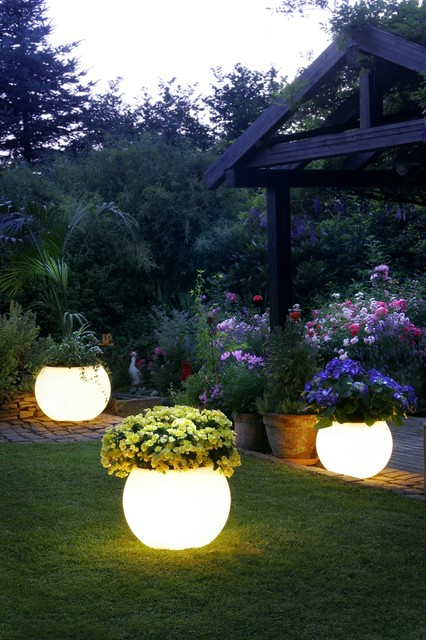 18 Amazing Outdoor Lightening Ideas For Your Garden Or Pat