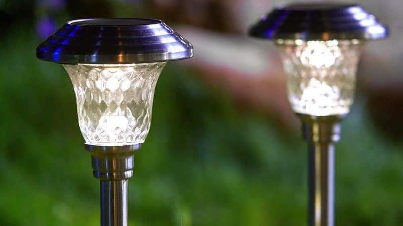 Top 10 Best Solar Garden Lights in 2020 | Outdoor Solar Ligh