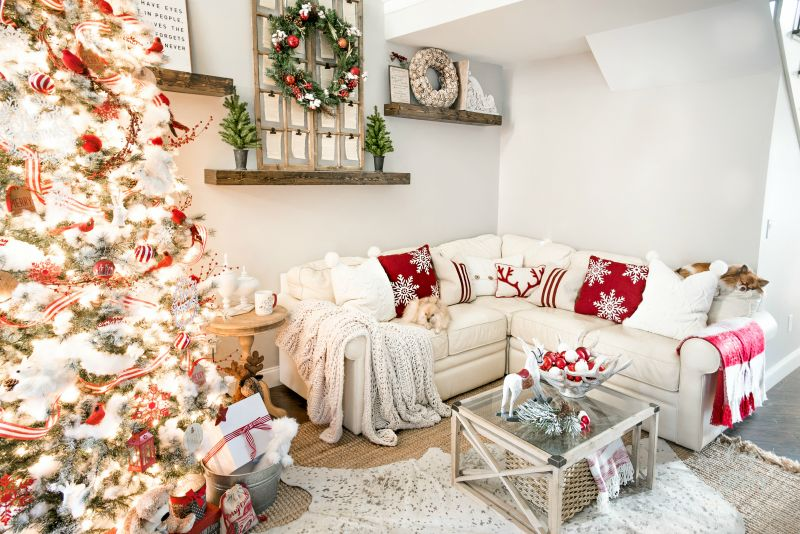 Charming, Family-Friendly Christmas Home Decor Ide