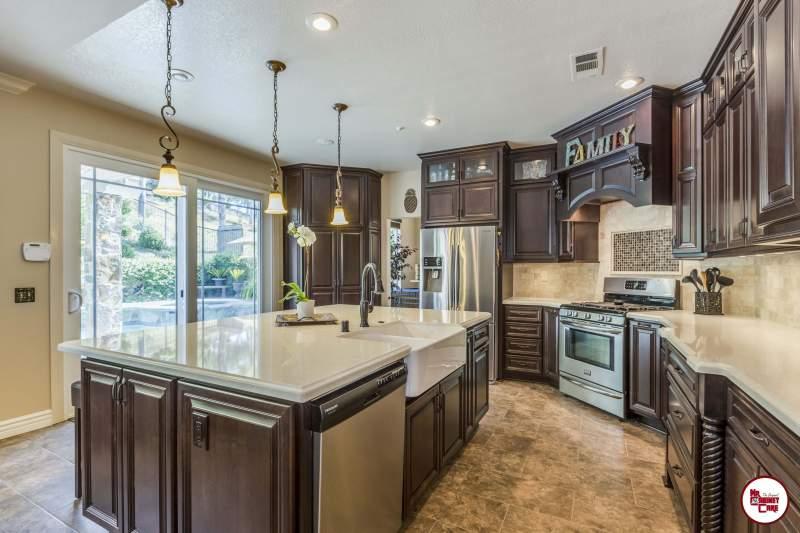 Traditional Kitchen Design Ideas | Mr. Cabinet Ca