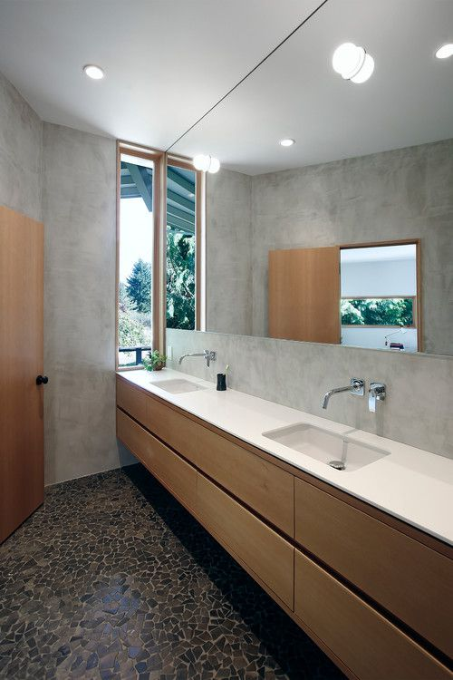 13 Beautiful Mirrored Bathroo