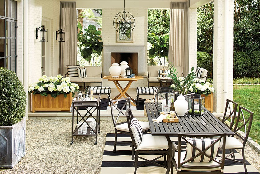 Outdoor Decor: Black, White and Rad All Over — Elements of Style Bl
