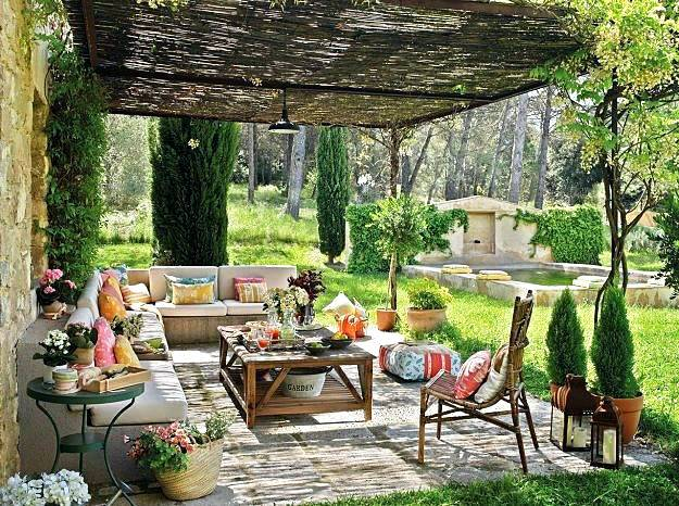 Outdoor decor ideas in a budget - friendly way Bl