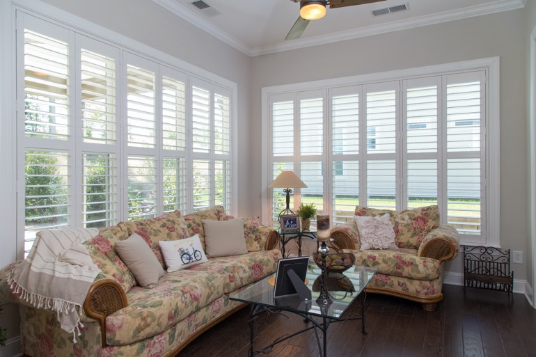 Pros and Cons of Faux Wood Plantation Shutters In Sacramento .