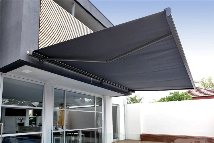 The Benefits Of Retractable Awnings