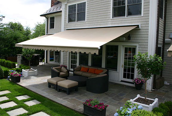 Retractable Awnings Cost Wayland Ma, Weston Ma & Dracut Ma | Mr .