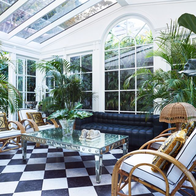 12 Pretty Sunroom Ideas - Chic Designs & Decor for Screened In Porch