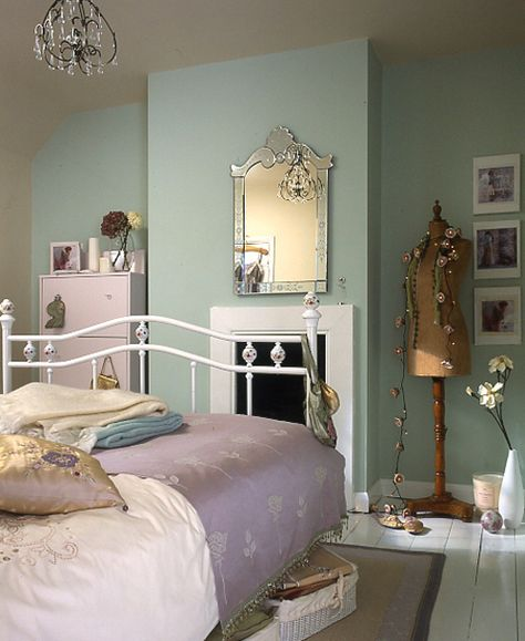 20 Totally Vintage Bedrooms For You | Vintage bedroom decor .