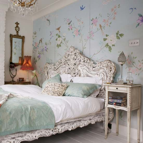 Vintage bedroom design inspiration | Lipstick All