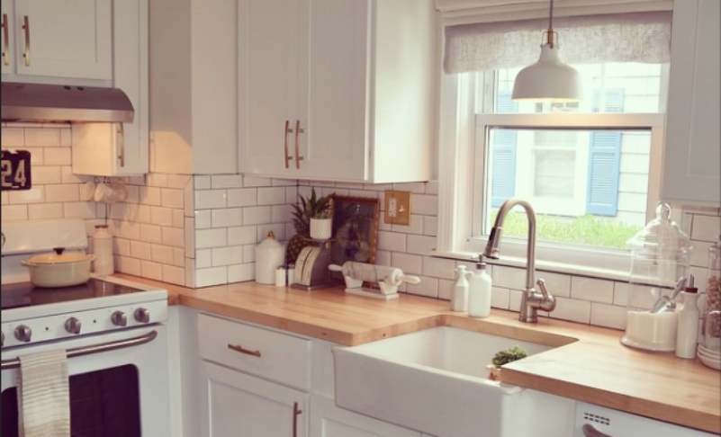 White Kitchen Countertops and Cabinets Inspirations   FLOFORM .